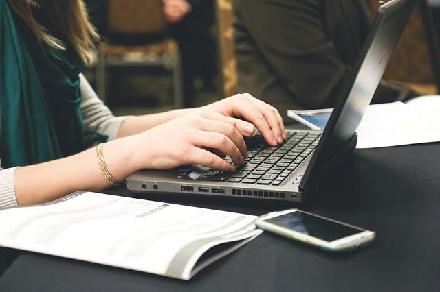 ניהול מסמכים לעסקים