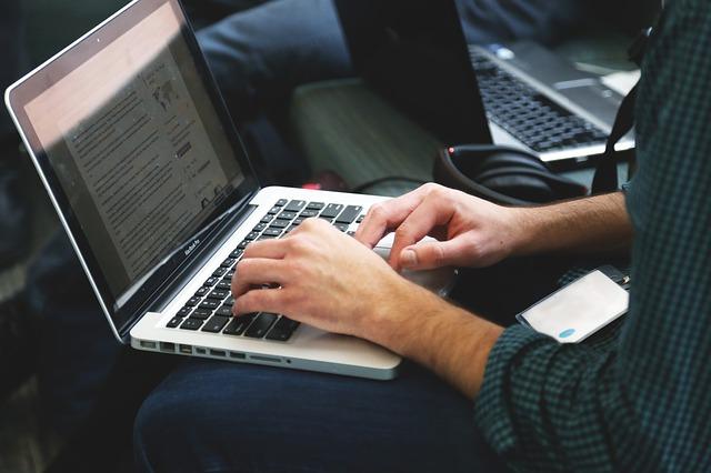 כתיבת בלוגים בעולם הוירטואלי